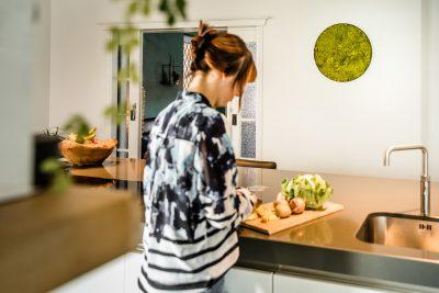 Mospaneel rond in keuken