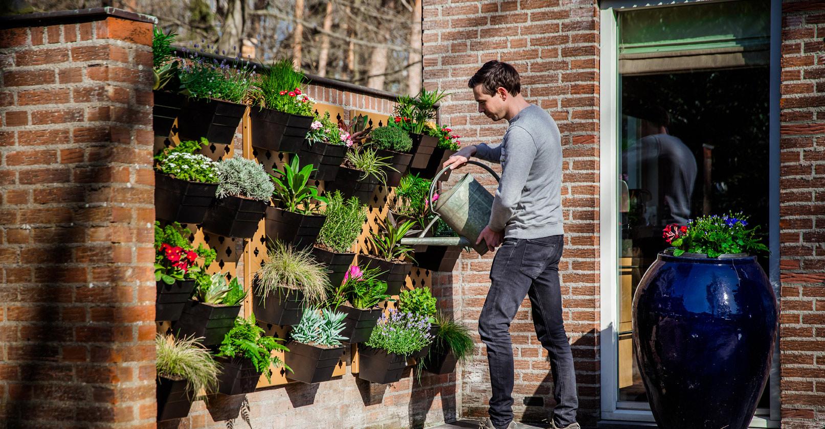 Verticale tuin water geven